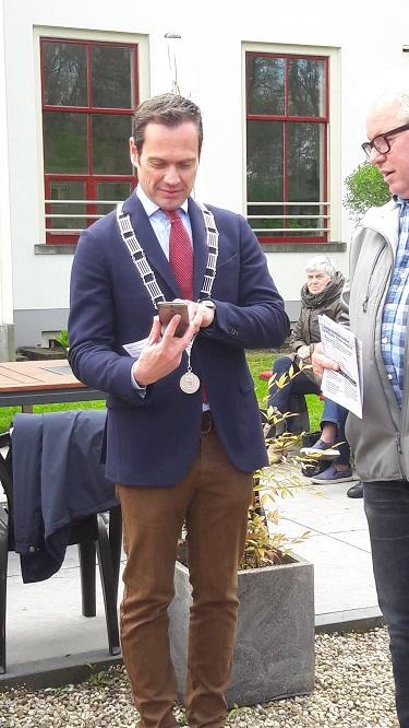 jubilea6-burgemeester-opent-de-app-375